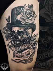 tattoo-bianco-e-nero-tatuaggio-teschio-significato-coscia-italia-tatuatori-vicenza-veneto