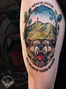 tattoo-tatuaggio-colline-orso-bussola-significato-coscia-italia-tatuatori-vicenza-veneto