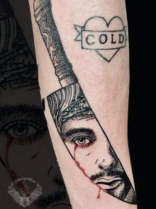 tattoo-tatuaggio-minimal-bianco-e-nero-jesus-gesù-ritratto-viso-piange-sangue-significato-italia-tatuatori-vicenza-veneto
