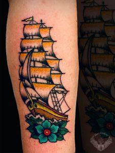 tattoo-tatuaggio-stile-old-school-veliero-nave-italia-tatuatori-vicenza-veneto