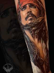 tatuaggio-effetto-tattoo-realistico-attore-johnny-depp-film-maledizione-prima-luna-jack-sparrow-italia-tatuatori-vicenza-veneto