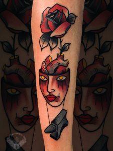 tattoo-tatuaggio-stile-old-school-rosa-cervello-italia-tatuatori-vicenza-veneto